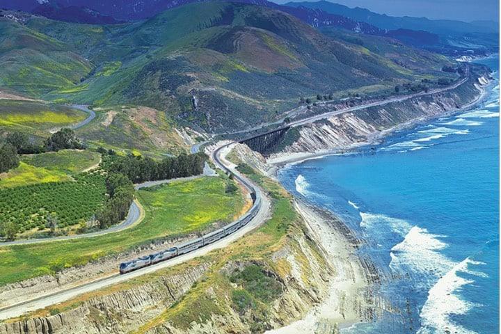 De Los Ángeles a Seattle del recorrido de Estados Unidos en tren Foto Wanderu