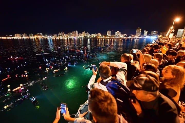 Espectadores en actividades de Semana Santa bajo el mar Foto Archivos de Facebook
