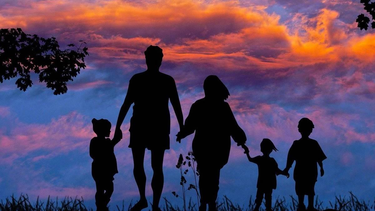 Family. Foto Kalhh portada.