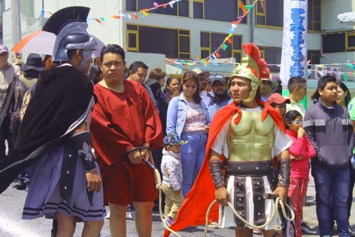 Indicaciones previas al comienzo de la escenificación Foto Fernando Bautista