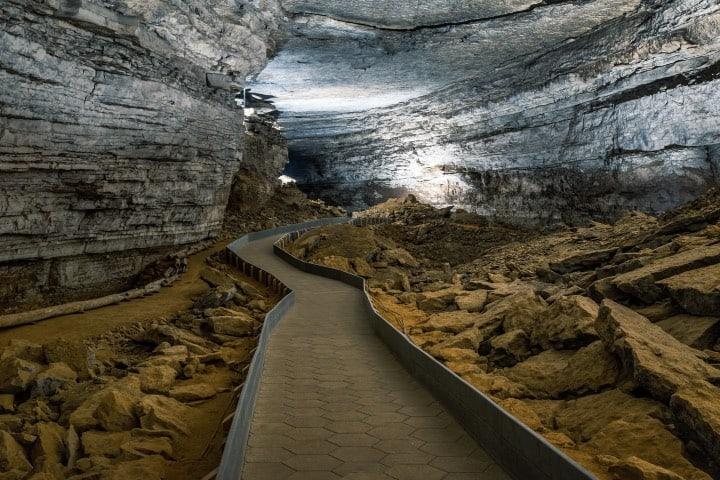 Interior de la cueva del Mamut Foto Geoff Livingston