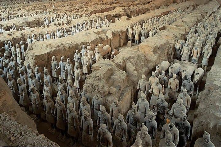 La tumba de Qin shi huang Foto Esculturas y Monumentos
