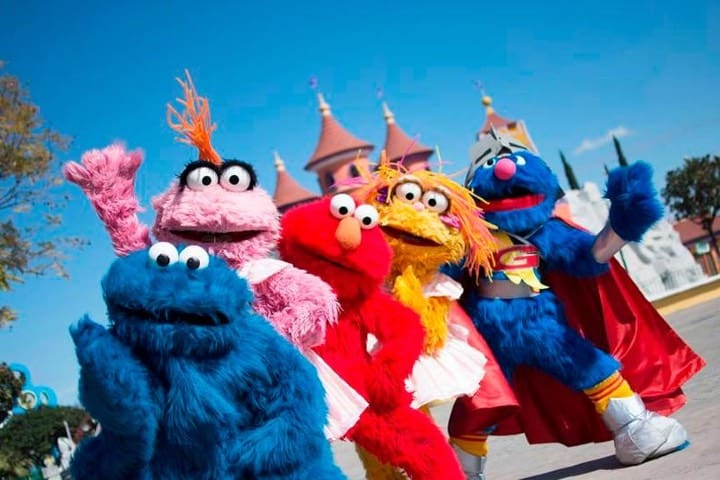 Los personajes de Plaza Sésamo están por todo el Parque Foto Archivo