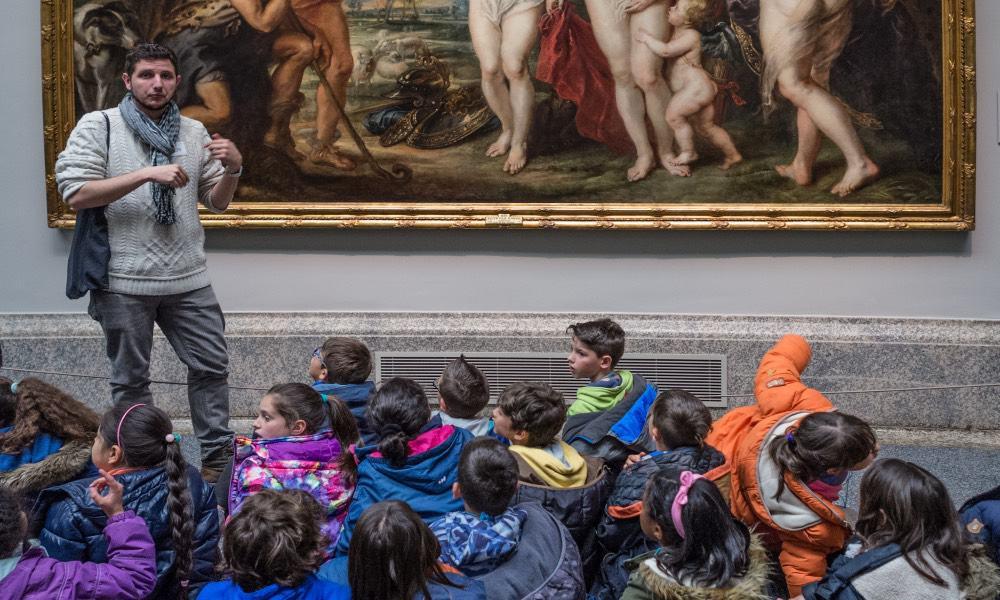 Niños en Museo del Prado Foto G Bulder