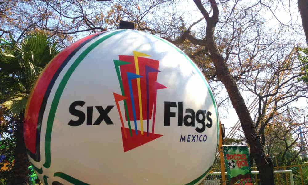 Six Flags Foto: Martin Lewison