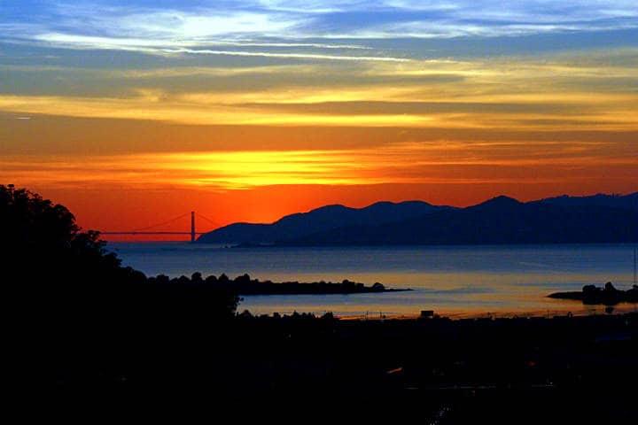 Puesta de sol en Playa Los Cerritos Foto TJ Gehling