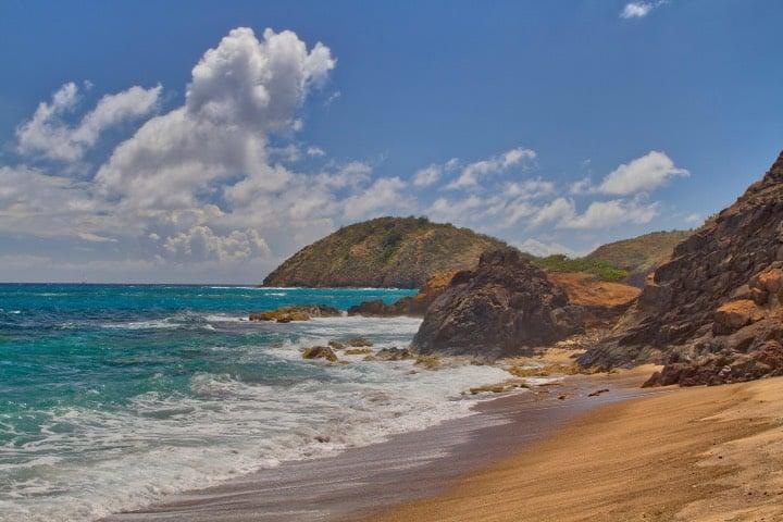 Rendezvous Beach en Isla de Monserrat, paraíso caribeño Foto Ron McManus