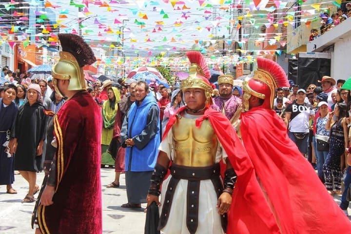 Romano del Viacrucis de Cubitos en Pachuca Foto Fernando Bautista