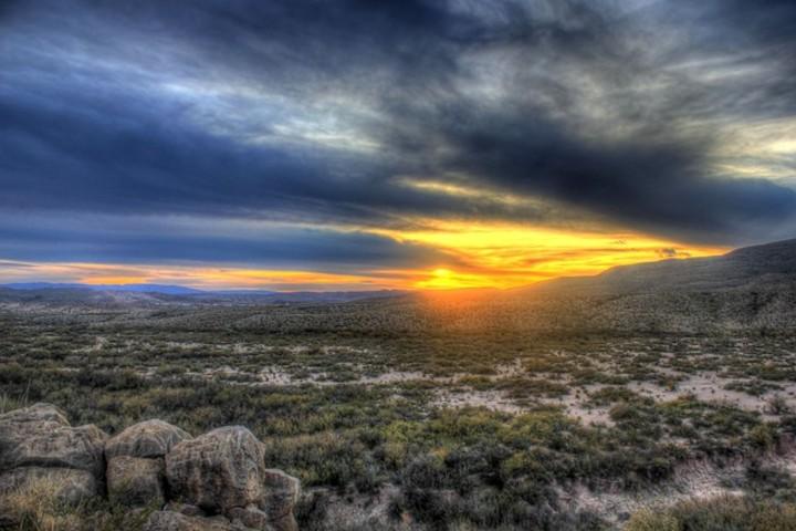 Viaje en tren por EUA. Desierto texas. Foto Yinan Chen