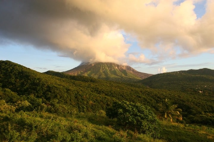 Volcán Soufriere Hills Foto Archivo