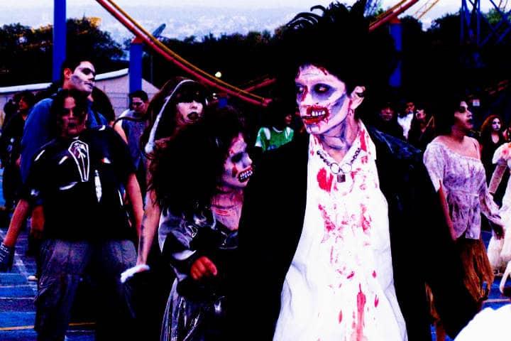 Paseo de Zombies en el parque Foto Raul Alvarez