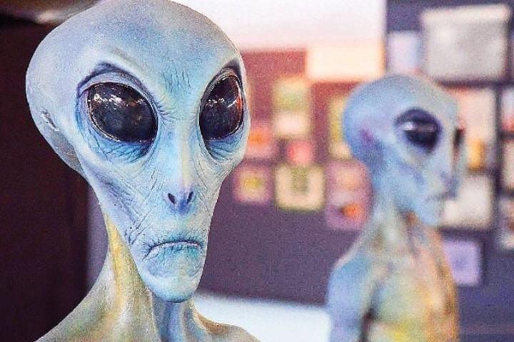 Piezas de extraterrestres en el museo Foto: instagram Museo Roswell