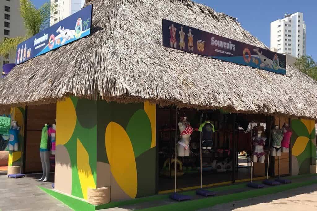 En el Parque Acuático El Rollo puedes comprar recuerdos u otras cosas Foto Tripadvisor