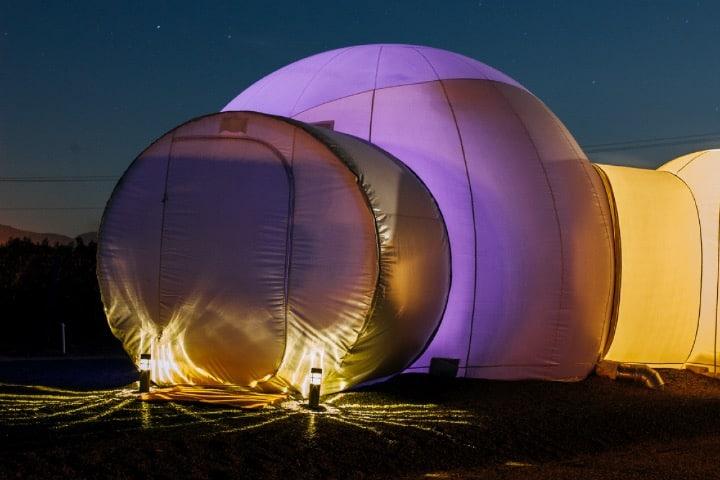 Habitaciones en forma de burbuja Foto Hotel Campera