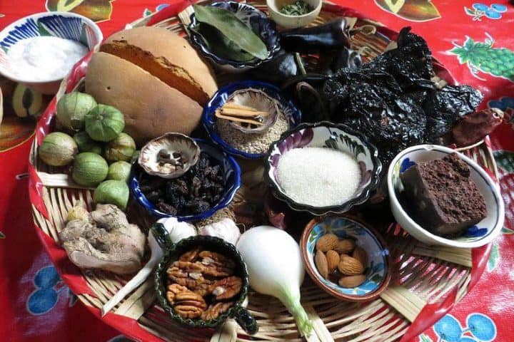 Ingredientes_de_Mole_Negro_Foto_Estampas_de_Mexico