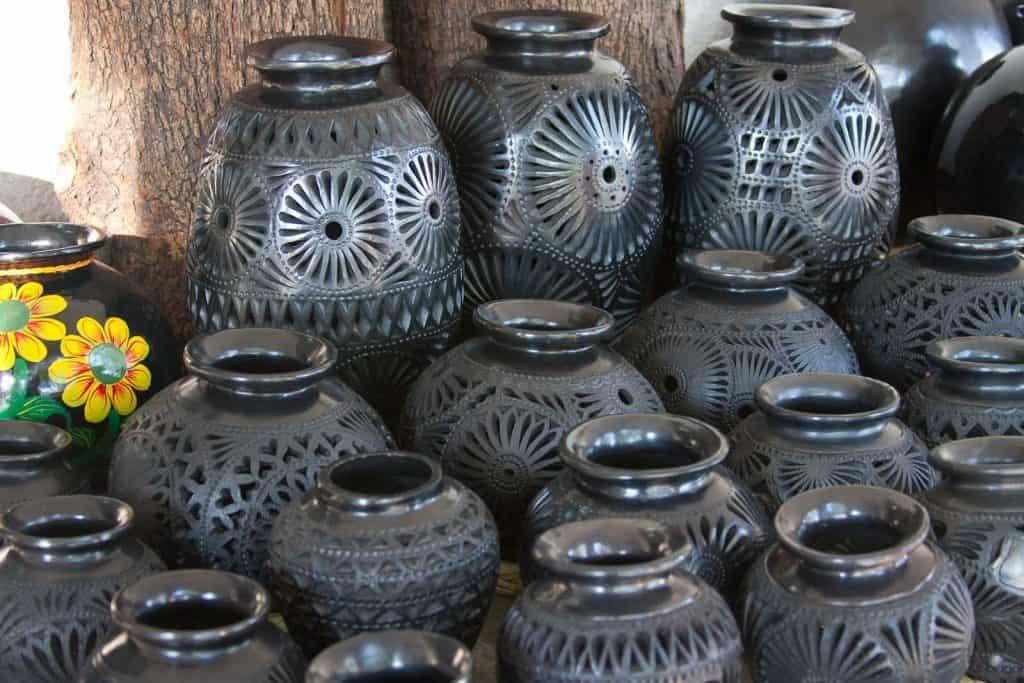 Jarrones de barro negro, artesanía mexicana Foto: Nachitron Castellanos Balderas