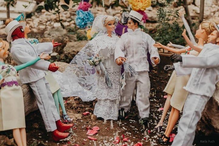 Los invitados lanzaron arroz para la abundancia en la boda de Barbie en Yucatán Foto Karla Puch