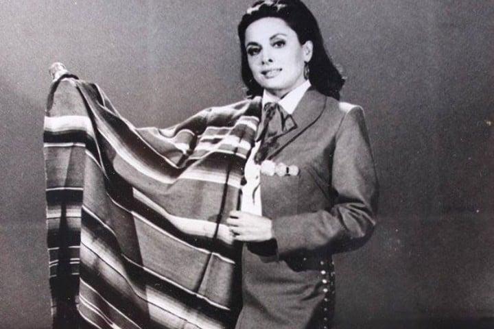 Mujer con sarape Foto: María de Lourdes/Archivo