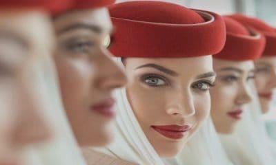 Mujeres sobrecargo de Emirates Foto Archivo