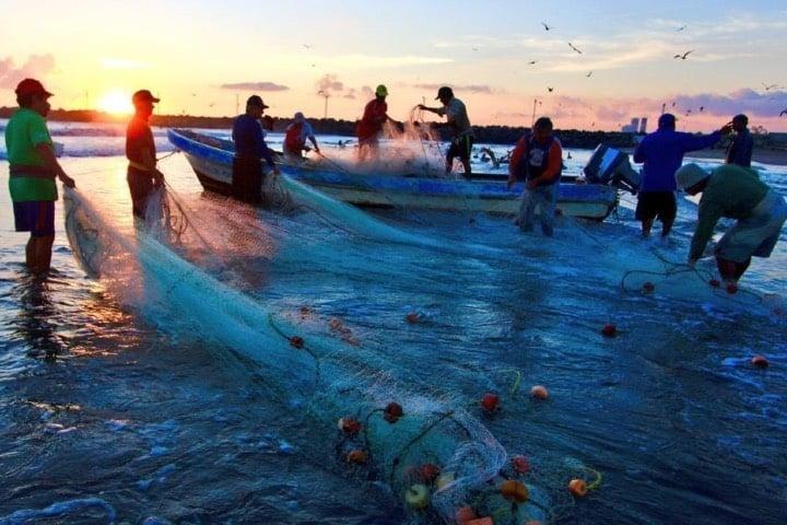Pescadores en Riviera Nayarit Foto Archivo