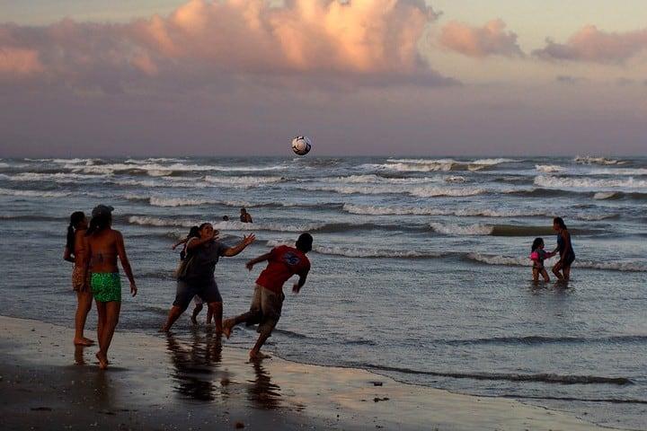 Playa Bagdad Familia. Foto Turismo Tamaulipas.