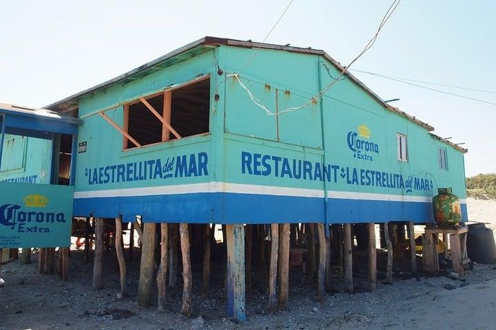 Restaurante en Playa Bagdad. Foto Ryan.