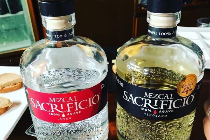 Sacrifícate a probar este mezcal oaxaqueño Foto Mezcal Sacrificio | Facebook