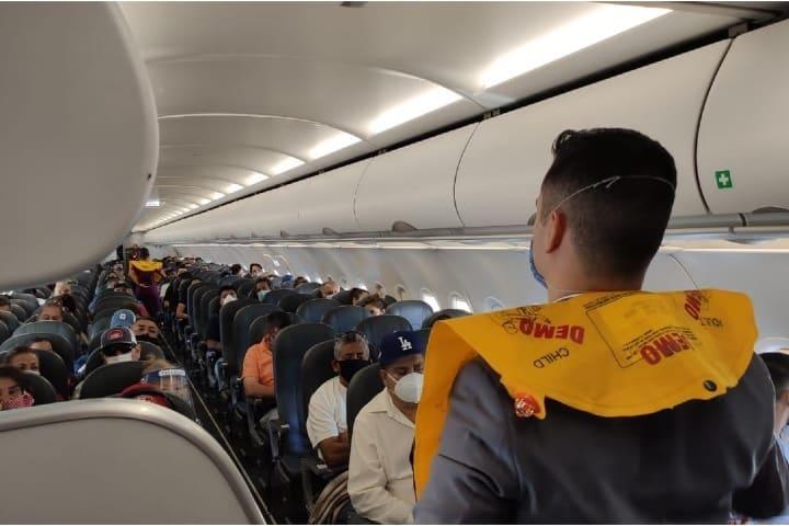 Se llevan a cabo los protocolos de higiene y seguridad en Volaris Foto Cortesía Volaris