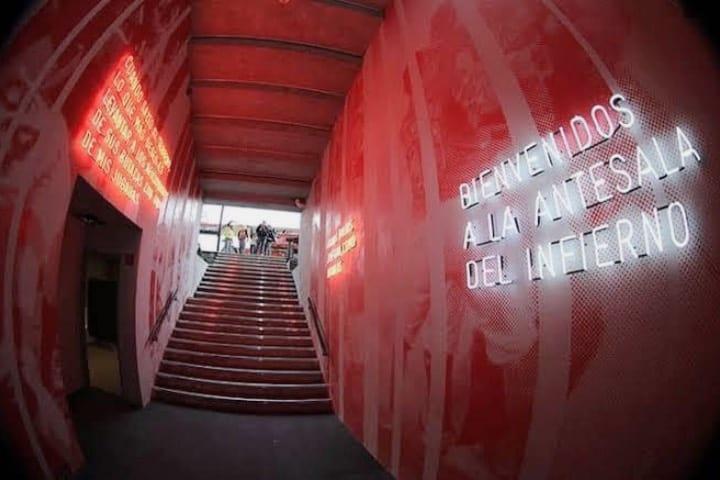 Túnel de los jugadores para el acceso al campo de juego Foto Diablos Rojos del México
