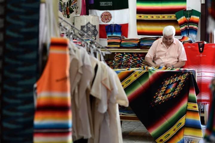 Tienda de sarapes Foto: Isidro López Villarreal