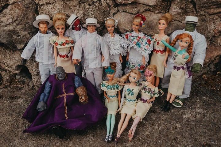 Todos los invitados a la boda de Barbie posaron para la foto del recuerdo Foto Karla Puch