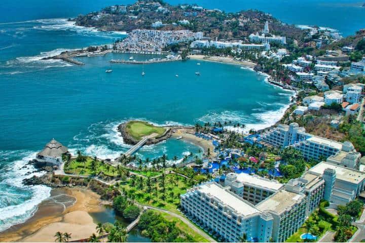 Bahías de Manzanillo, el puerto más importante de México Foto: Avis México