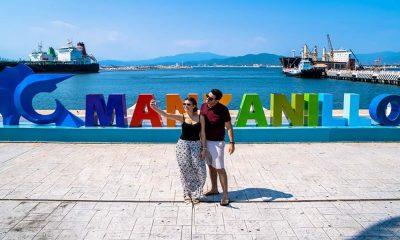 selfie pareja malecón de Manzanillo Foto: vanidades.com
