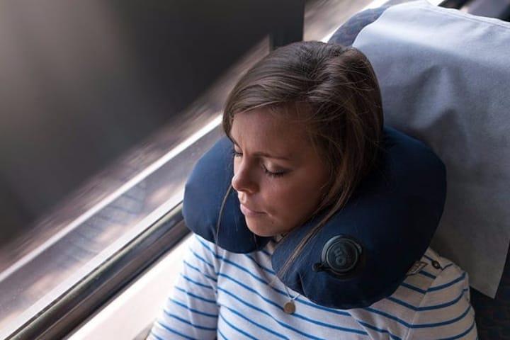 Estás almohadas de viaje son una gran creación para los viajeros Foto Almohadas de Viaje
