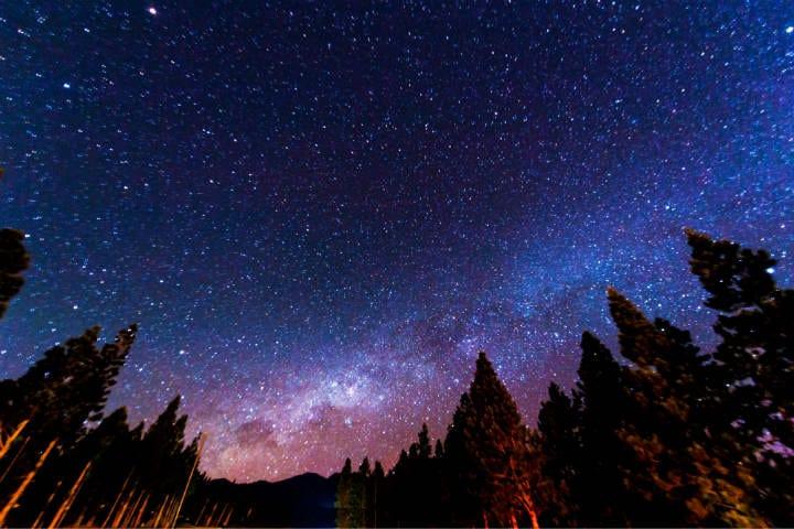 Un premio doble es ver las estrellas y al conejo en la luna Foto: Jose Nicdao