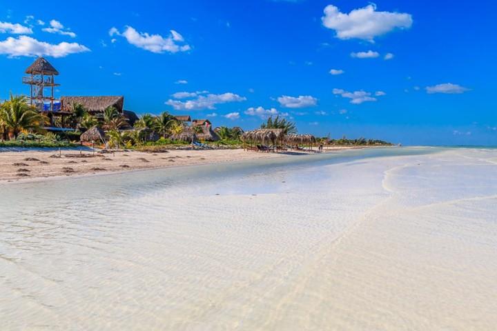 Holbox playa. Foto Grzegorzmielczarek.