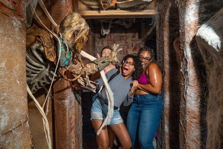Un susto por una gran experiencia, ¡Claro que lo vale! Foto: Halloween Horror Nights Universal Orlando