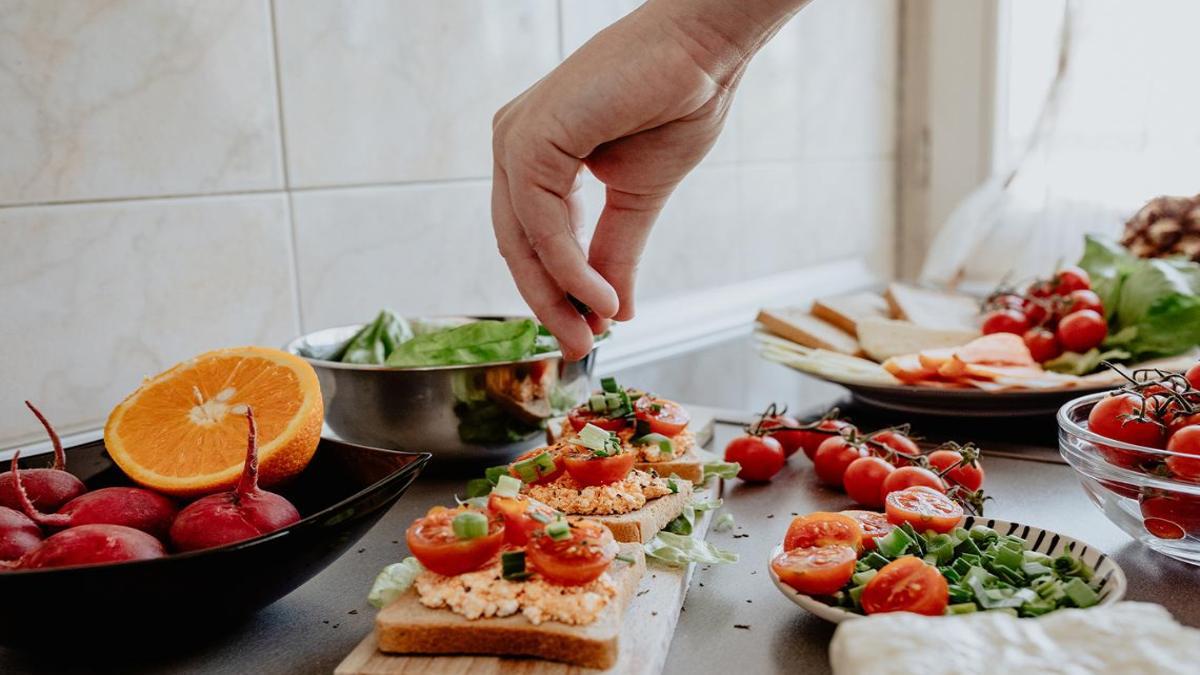 Recetas fáciles para prepar en casa. Foto revista Mía. Portada