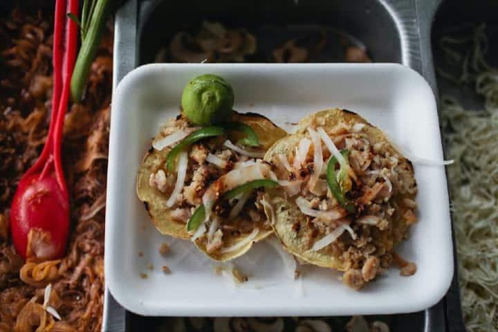 Taco de carnitas, un manjar de la gastronomía mexicana Foto: Angela Pham