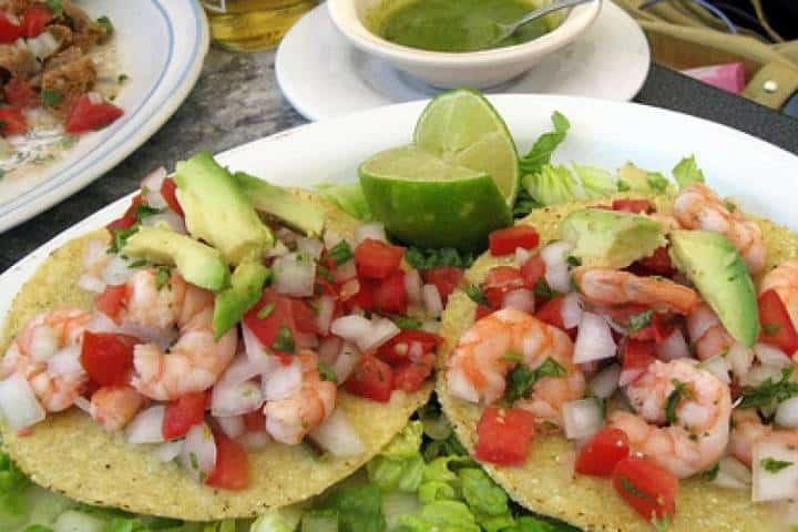 Tostadas de camarón para tener un delicioso sabor en tu boca Foto: TuriMexico