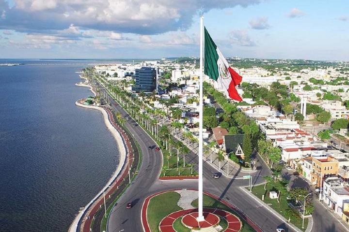 Bandera del Malecón de Campeche Foto: laregion-internacional