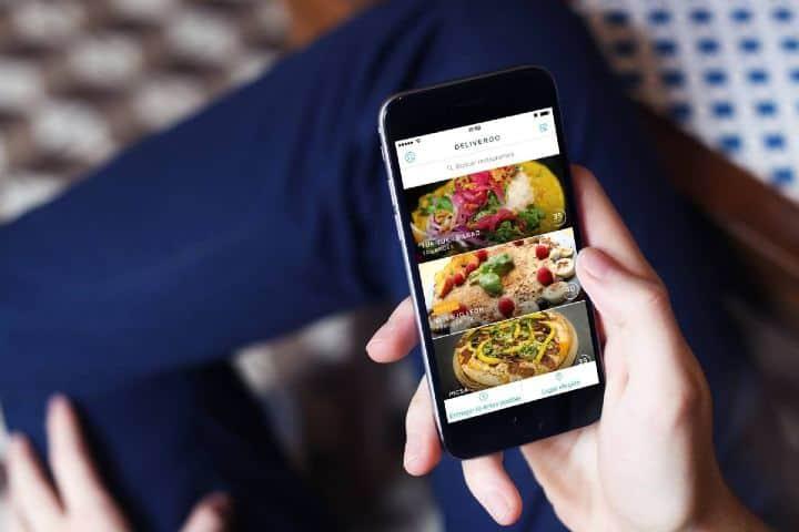 A través de tu celular puedes hacer pedidos de cualquier cosa Foto: elcomidista.com