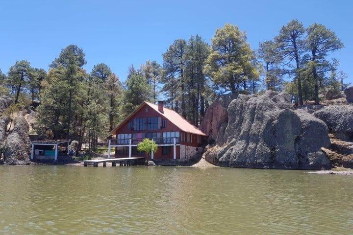 Cabaña que Airbnb renta en Lago Arareco. Foto: Airbnb