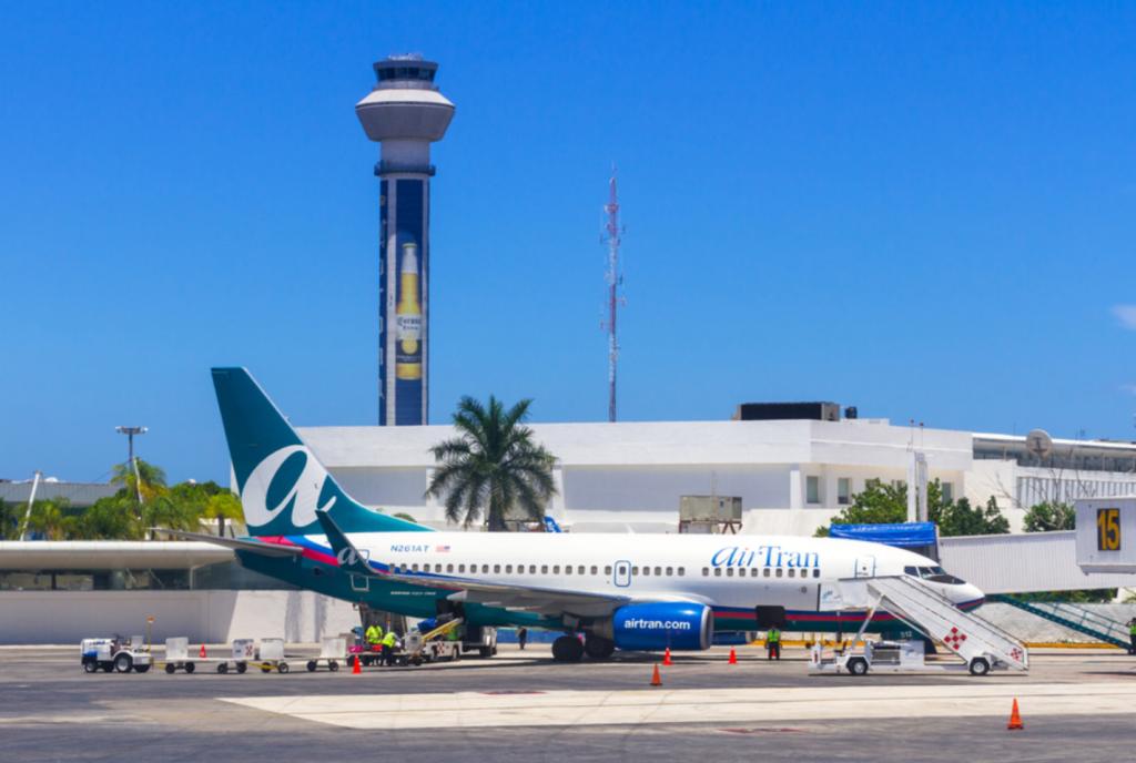 Avión en Cancún