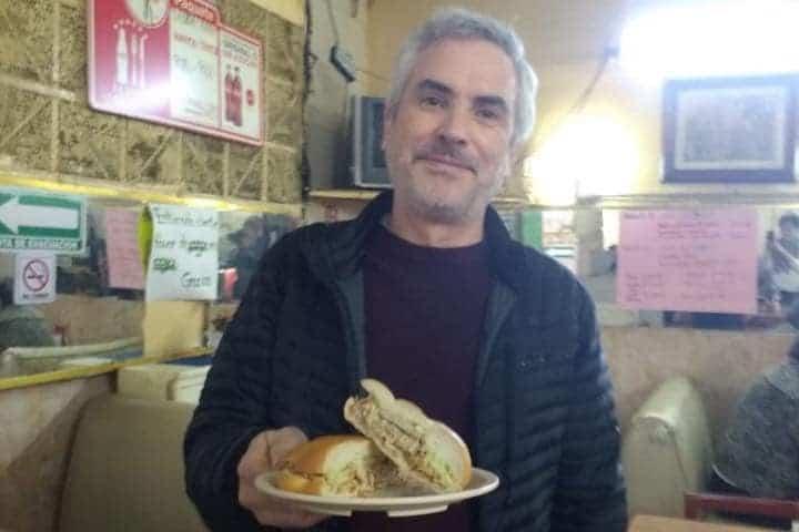 Alfonso Cuarón disfrutando en La Casa del Pavo Foto La Casa del Pavo | Facebook