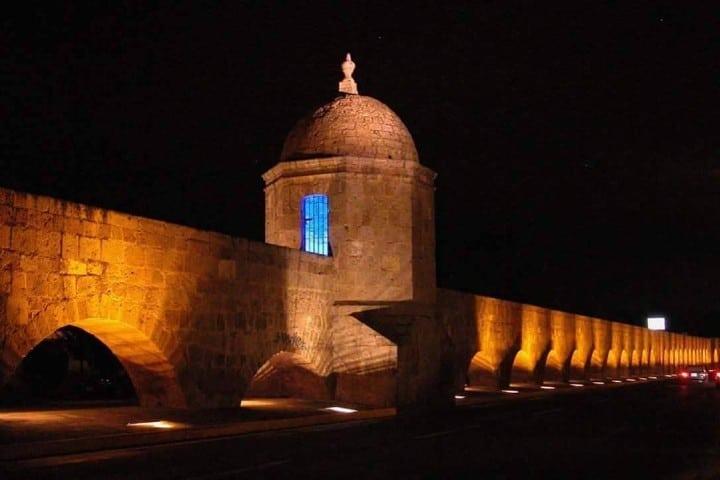 Arcos de noche Foto: Morelia, Michoacán