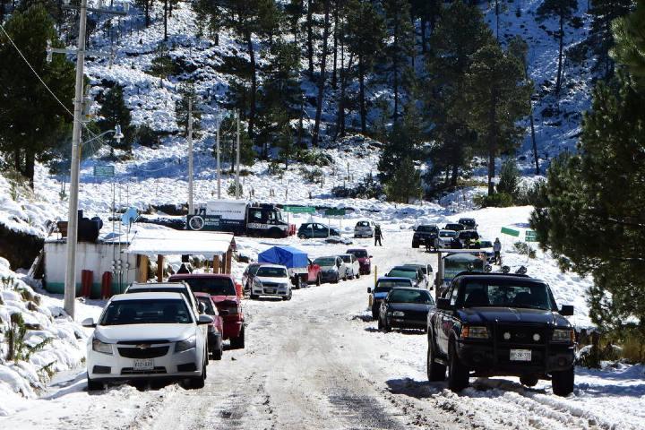 Autos al nevado de Toluca. Foto: El Sol de Toluca