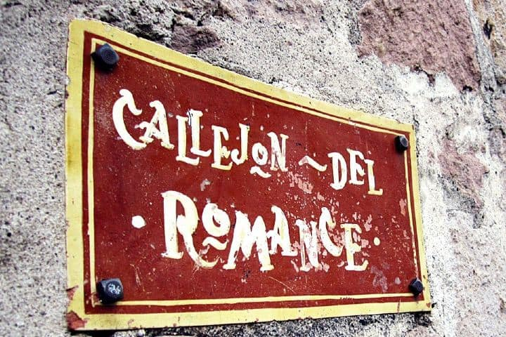 ¿Qué hacer en Morelia? Ve al Callejón del romance Foto: ALTO Fotografía