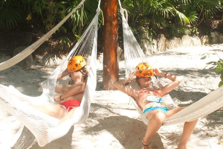 Descansa en las hamacas Foto Xplor | Facebook