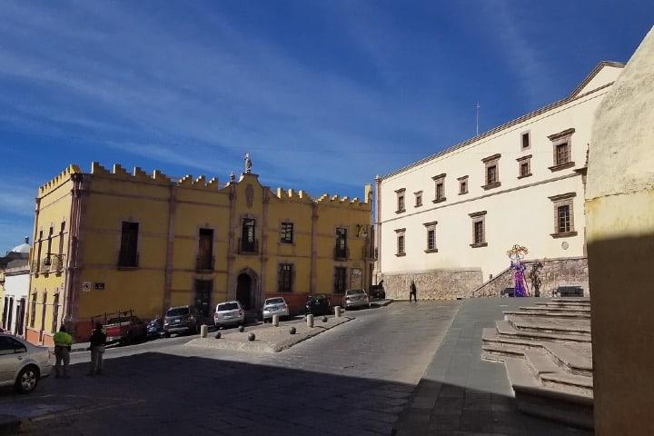 Foto con vista al Museo Pedro Coronel desde la Plaza de Santo Domingo, Zacatecas. Foto: Jorge Elías
